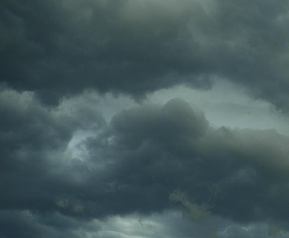 5453800 czarne-chmury-burzowe_modified